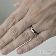 Skalák titan lesklý na ruce - šířka 4 mm