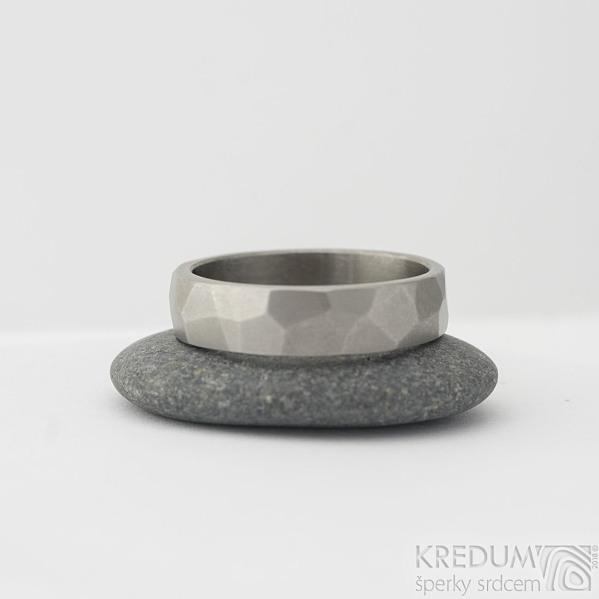 Skalák titan - matný, velikost 67, šířka 6 mm, tloušťka 1,8 mm - Kovaný prsten, SK2283 (2)