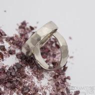 Skalák white, matný - šířka 4,5 mm, tloušťka 1,3 mm - Zlaté snubní prsteny