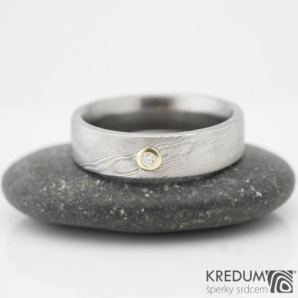 PRIMA a diamant 1,7 ve zlatě - struktura dřevo - Snubní prsten damasteel