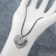 Srdíčko kolečka a diamant 2 mm - Kovaný přívěsek z oceli damasteel, SK1816 (6)