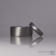 Prsten kovaný - Klasik titan a čirý diamant 1,5 mm - matný