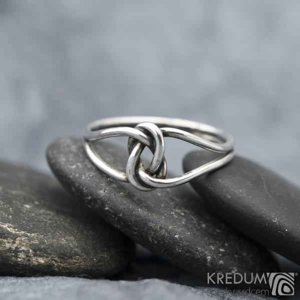Uzel Patina - Stříbrný prsten, SK1587