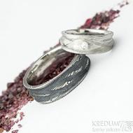 Víla vod a diamant 2,3 mm - dřevo, vel 51, 7 mm do dlaně 4,5 mm + Pán vod vel 67, šířka 8 mm - Damasteel snubní prsteny