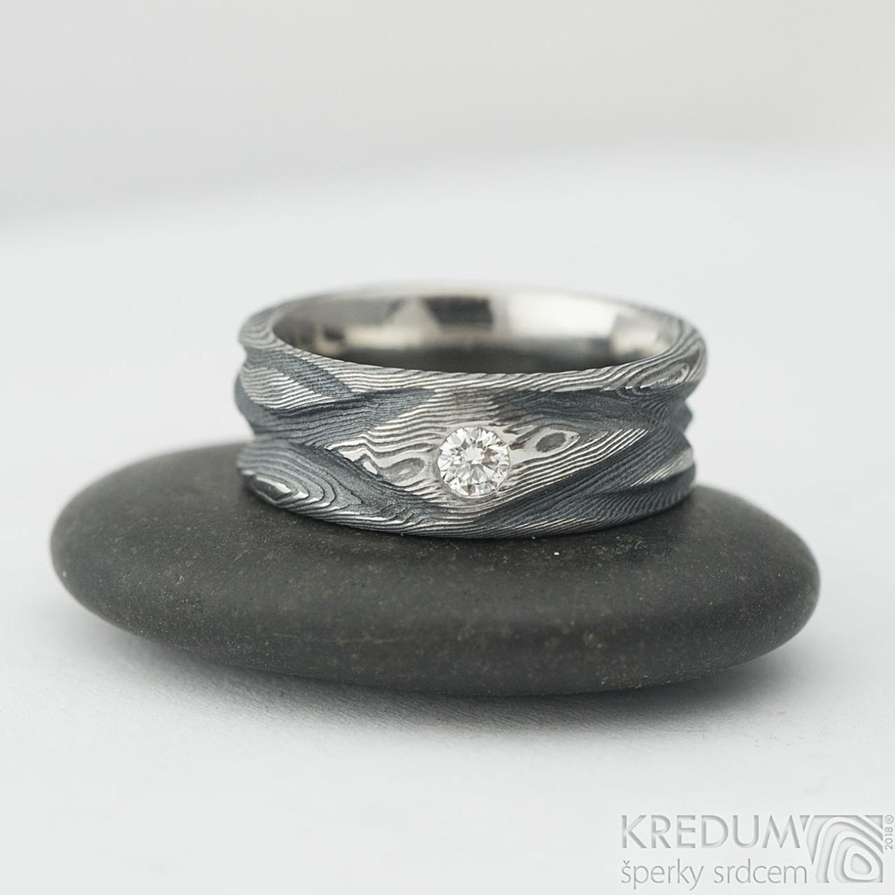 Zásnubní a snubní prsten Víla vod - damasteel dřevo a přírodní diamant 3 mm  - briliantový f5c8ffd04be