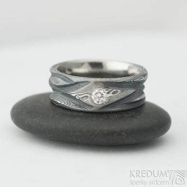 Zásnubní a snubní prsten Víla vod - damasteel dřevo a přírodní diamant 3 mm - briliantový brus