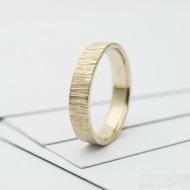 wood snubní prsten gold yellow (2)