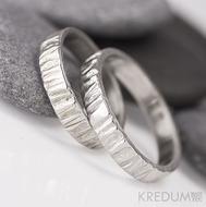 Wood - světlý - snubní prsteny, chirurgická ocel - AVT 2159