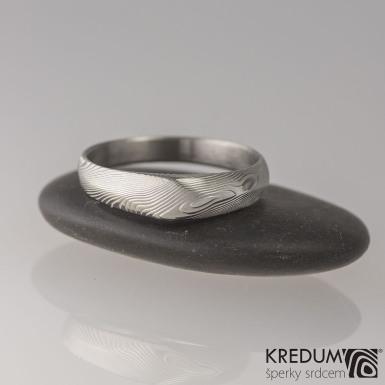GRADA, dřevo  - Kovaný zásnubní prsten damasteel, S1590
