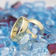 Zlaté snubní prsteny klasik gold yellow lesklé - velikost 48, šířka 4,5 mm, tl 1,3 mm, profil E + velikost 57, šířka 5 mm, tl 1,5 mm, profil E - K 1475 (3)