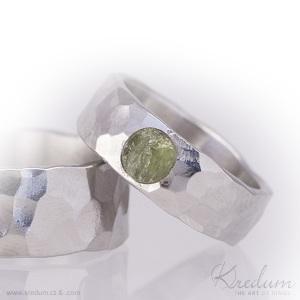 Natura nerez, lesklý + olivín natural 4 mm, velikost 50, šířka 6 mm - fl 2225056