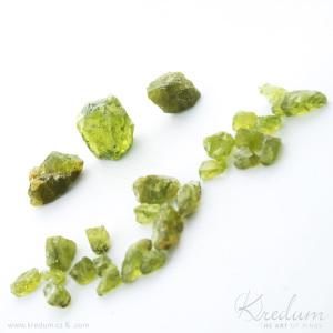 olivín surový